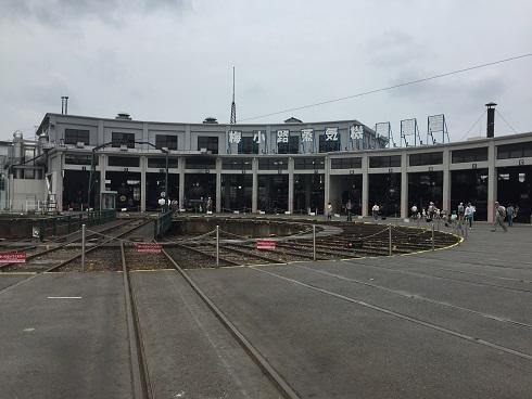 京都鉄道博物館は月曜日でも大混雑