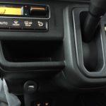 ハスラーの装備:運転席左右