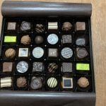 結婚記念日のプレゼントはチョコレート(令和二年)